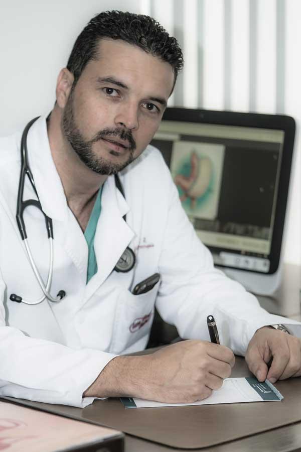 Dr. Luis Felipe Vanegas cirugía bariátrica laparoscópica